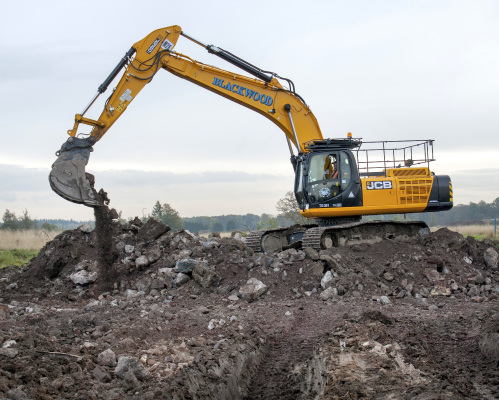 Blackwood spend £2.5 million on new JCB fleet