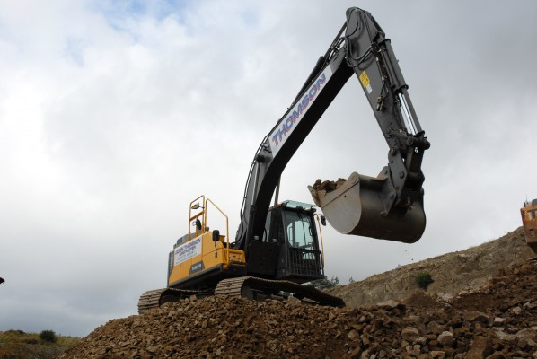 Island life is a breeze for new Volvo EC220E