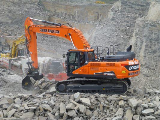 """30-tonne crawler has """"tremendous impact"""" at Caithness quarry"""